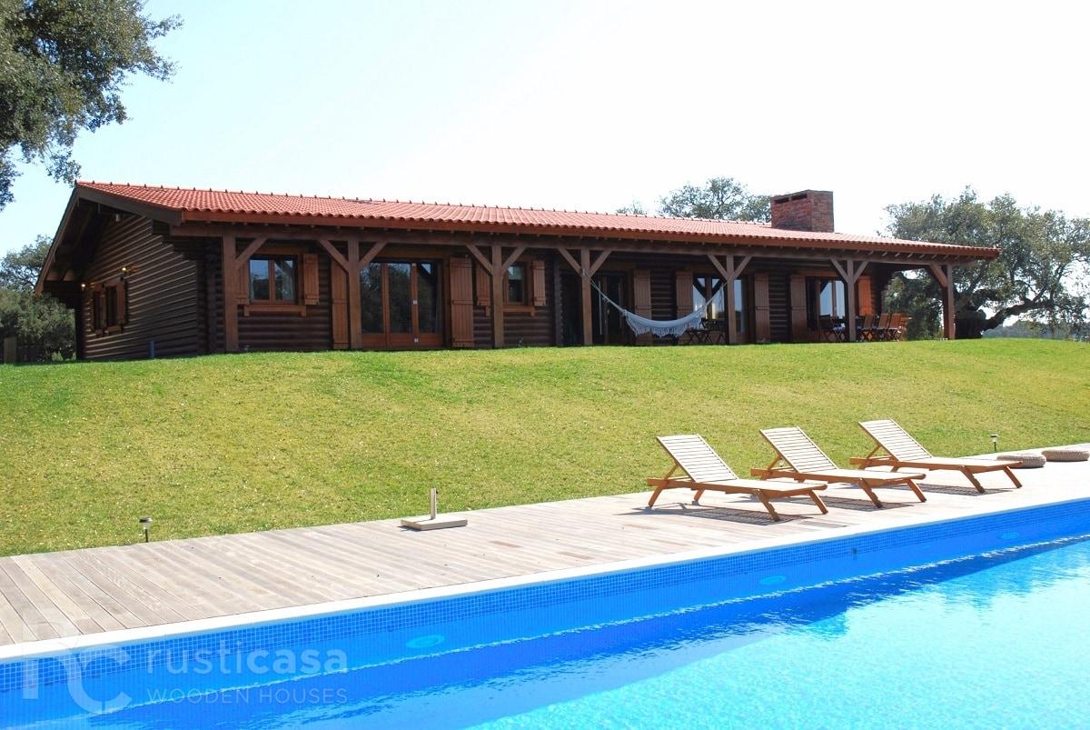 House in Santo Estevão